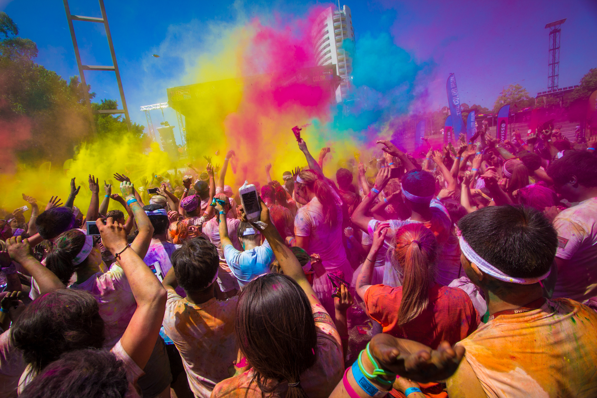 The Color Run is flying to Sydney on Sunday 7 October and bringing a whole heap of family fun! The Happiest 5k on the Planet zooms into Sydney Olympic Park with a brand new hero-themed tour, supersized Color Zones and a limited edition participant pack complete with a unicorn medal.